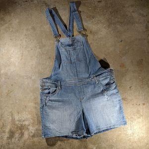Torrid Size 18 Light Wash Denim Overall Shorts